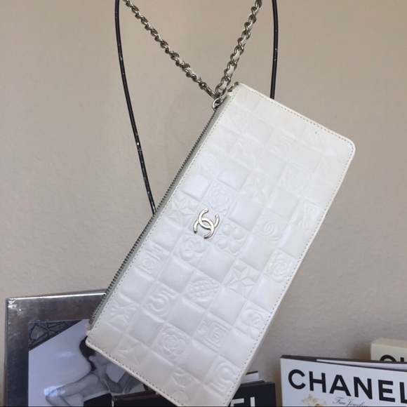 CHANEL Handbags - Chanel Lucky Charms🍀 Wristlet/Clutch
